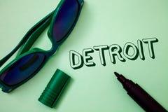 显示底特律的文字笔记 企业照片陈列的城市在密执安Motown想法mes的美利坚合众国首都 免版税库存图片