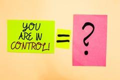 显示您的文字笔记在控制中 在书面的情况管理当局的企业照片陈列的责任  图库摄影