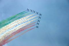 显示意大利的标志的飞机 免版税库存图片