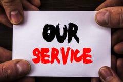 显示我们的服务的概念性手文字文本 概念意思顾客市场支持帮助您的客户命令的帮助概念 免版税库存照片