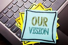显示我们的视觉的概念性手文字文本说明启发 在sti写的销售方针视觉的企业概念 库存照片