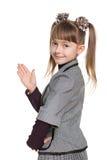 显示手的棕榈的女孩 免版税库存照片