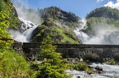 显示挪威的狂放的本质Latefossen瀑布 库存照片