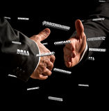 显示握手姿态的商人 免版税库存照片