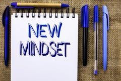 显示新的心态的文字笔记 书面的企业照片陈列的态度最新概念视觉行为计划认为没有 库存图片