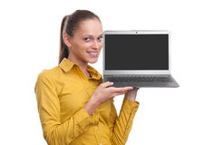 显示有拷贝空间的女实业家膝上型计算机屏幕 免版税库存照片