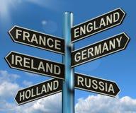 显示欧洲旅行的英国法国德国爱尔兰路标 库存照片