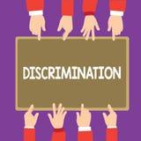 显示歧视的概念性手文字 不同的类别的企业照片文本造成偏见的治疗  库存例证