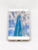 显示波士顿,美国的整个银幕的图片现代智能手机 库存图片