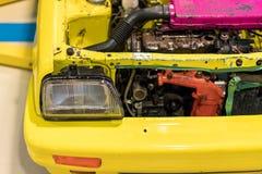 显示的半新车引擎 免版税库存照片