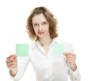 显示空插件的妇女或贴纸或者附注 库存照片