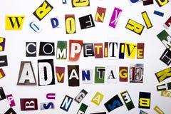 显示竞争优势的概念词文字文本由企业案件的另外杂志报纸信件制成在 库存图片