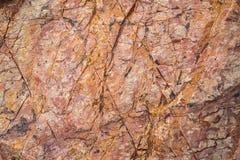 显示红色岩石的山纹理 库存图片