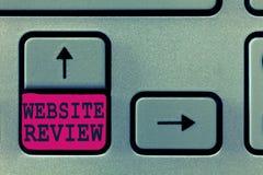 显示网站回顾的文本标志 可以被张贴关于企业和服务的概念性照片回顾 库存照片