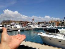 显示美丽的cabo小游艇船坞 免版税库存照片