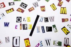 显示老生活新的生活的概念词文字文本由企业案件的另外杂志报纸信件制成在丝毫 免版税库存照片