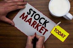 显示股市的概念性手文字 股票和证券被换或exhange M的企业照片文本特殊市场 库存照片
