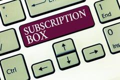显示订阅箱子的文本标志 概念性照片按钮,如果您点击了将得到新闻或录影关于站点 免版税库存图片