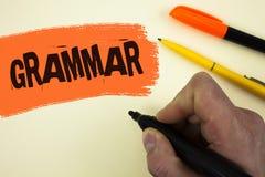 显示语法的文字笔记 企业照片书面的语言正确适当的作品标准的陈列的系统和结构b 库存图片