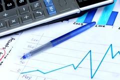 显示财务增长的企业图表 库存照片