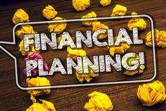 显示财政规划诱导电话的文字笔记 企业照片陈列的会计计划战略分析Timbere 库存照片