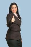 显示赞许的女商人 免版税库存图片