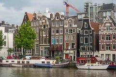 从显示运河的阿姆斯特丹的偶象场面 免版税图库摄影