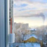显示非常低温的温度计 图库摄影