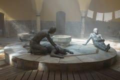 显示19世纪末的生活的雕刻的陈列在土耳其浴-哈马姆El Basha在老镇英亩  图库摄影
