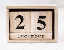 显示12月第二十五的木日历 库存图片