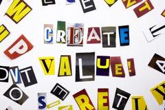 显示Create价值的概念词文字文本由企业案件的另外杂志报纸信件制成在白色bac 免版税库存照片