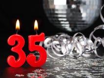 显示Nr的红色蜡烛 35 库存照片