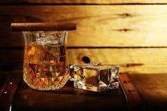 晃动威士忌酒 库存照片