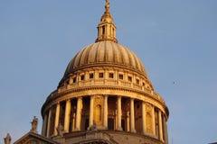 晚上伦敦 历史区城市风景  库存图片