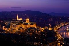 晚上光在布达佩斯 库存照片