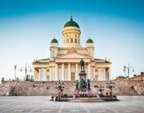晚上光的,赫尔辛基,芬兰著名赫尔辛基大教堂 库存照片