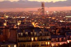 晚上全景巴黎sacrecoeur视图 免版税库存照片