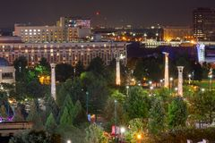 晚上在亚特兰大市中心  库存照片
