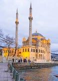 晚上在伊斯坦布尔 免版税库存照片