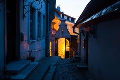 晚上在塔林老城镇  库存图片