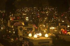 晚上在Rakowicki公墓的诸圣日天前 库存照片