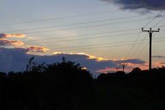 晚上天空和缆绳 免版税库存照片