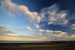 晚上天空在纳皮尔 免版税库存图片