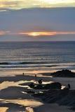 晚上天空海滩场面在康沃尔郡 免版税库存图片