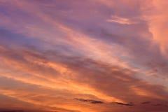 晚上天空的明亮的颜色 库存照片