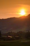 晚上太阳在allgau阿尔卑斯 免版税库存照片