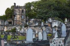 晚上射击了新的Calton坟场在爱丁堡,苏格兰,英国 库存图片