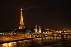 晚上巴黎 免版税库存图片