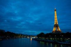 晚上巴黎 库存图片
