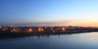 晚上市鄂木斯克。 库存照片